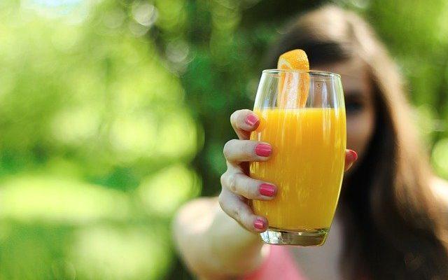 7 полезных соков для профилактики здоровья глаз